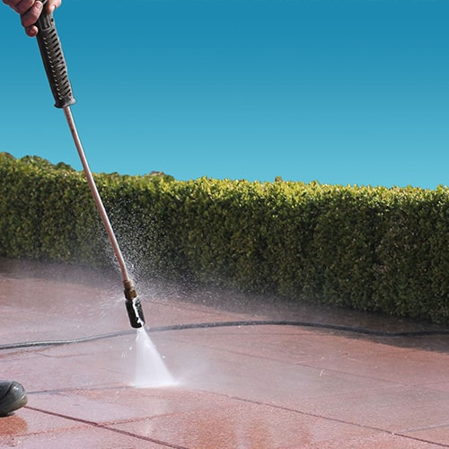 About Lioces Pressure Washing